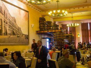 D`Lirios restaurant Cuba
